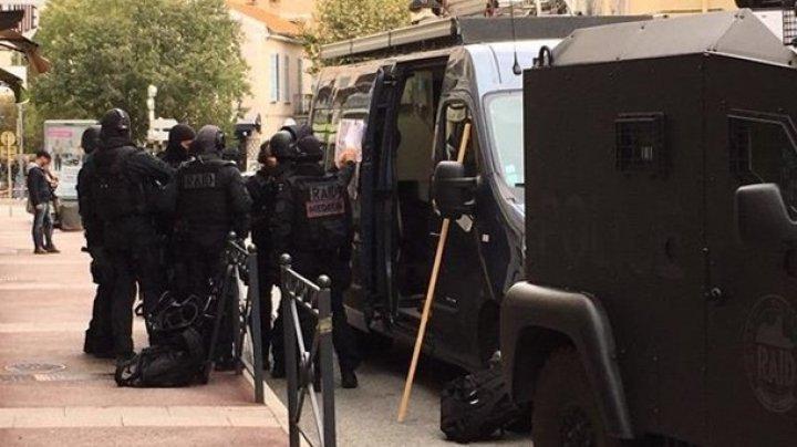 Во Франции мужчина забаррикадировался в музее