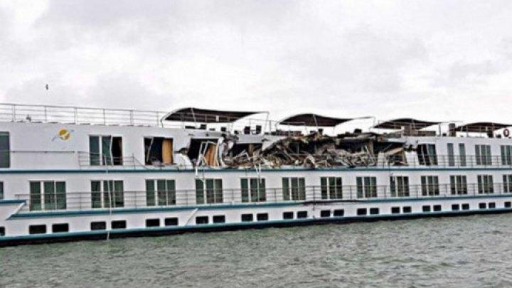 На Дунае столкнулись пассажирский лайнер и грузовое судно, есть пострадавшие (фото)