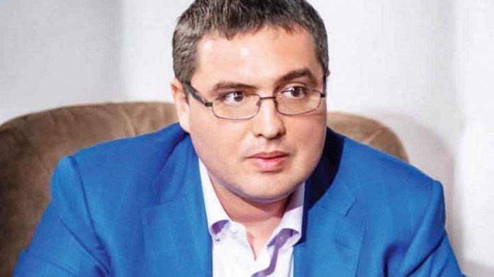 Конфуз в Бельцах: Ренато Усатый не  смог найти себя в списках избирателей (ВИДЕО)