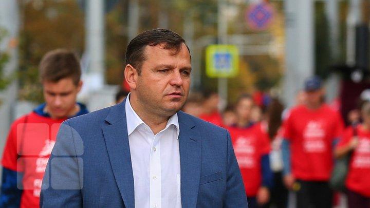 Андрей Нэстасе затрудняется ответить на вопрос, привезет ли он свою семью в Молдову