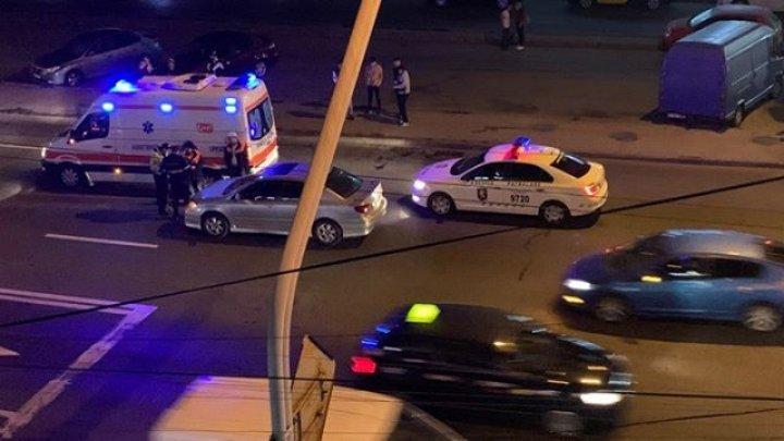 Авария в центре Кишинева: автомобиль насмерть сбил мужчину