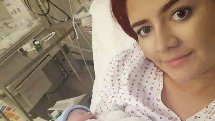 Британка родила ребенка через десять недель после того, как отошли воды