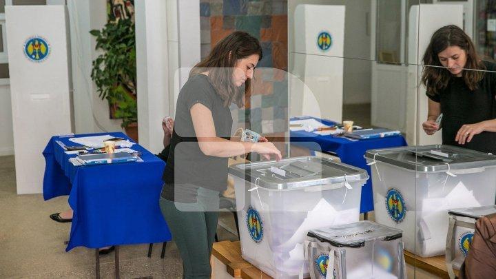 #ALEGEPUBLIKA. Наблюдатели сообщили о десятках инцидентов на выборах всего за полтора часа