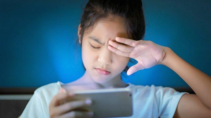 Офтальмолог рассказал, как не потерять зрение из-за смартфона