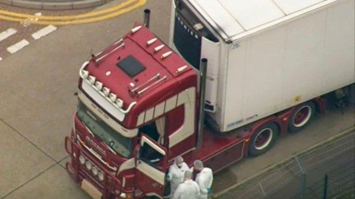 Стали известны подробности о набитом трупами грузовике в Британии