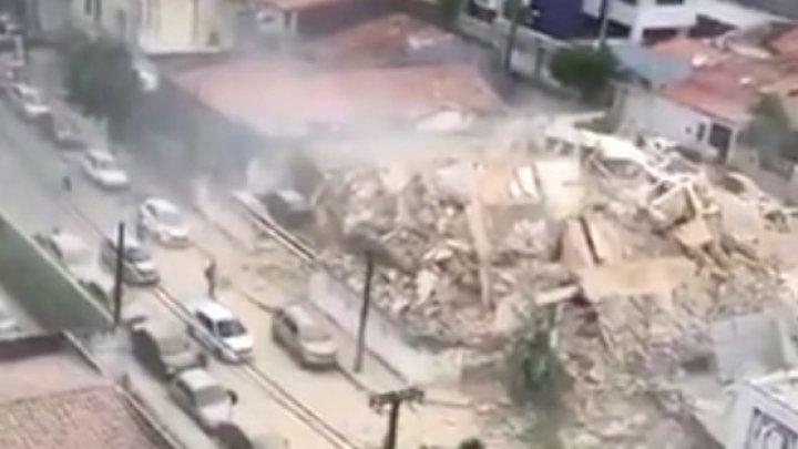 В Бразилии из-под завалов дома спасли девять человек