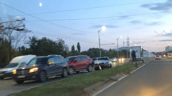 Цепная авария на Виадуке: столкнулись три автомобиля