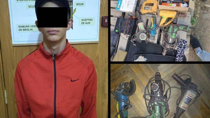 Две кражи за день: в столице задержали юношу с богатым уголовным прошлым