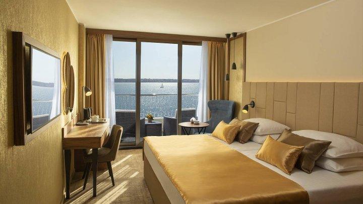 Раскрыты простые способы бесплатно попасть в роскошный номер отеля