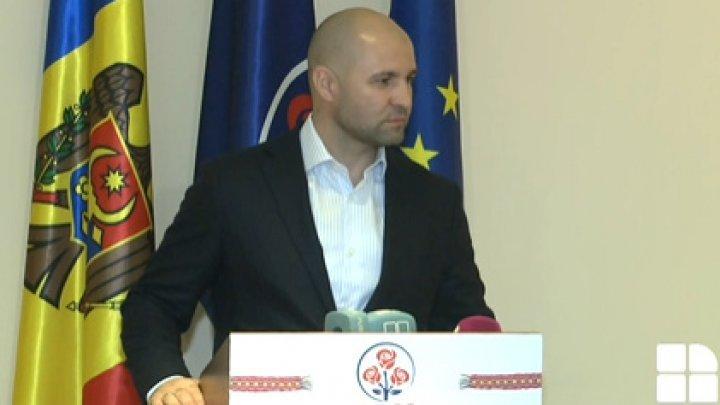 Владимир Чеботарь сделал первое заявление после закрытия избирательных участков