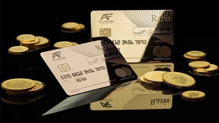 В Британии выпустили первую банковскую карту из 18-каратного золота