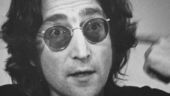 Увидела свет неизданная песня Джона Леннона, написанная для Beatles (АУДИО)