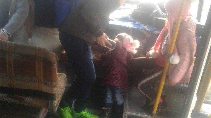 Возмутительный случай: водитель микроавтобуса Кишинев-Дрокия оставил пассажиров на дороге (ФОТО)
