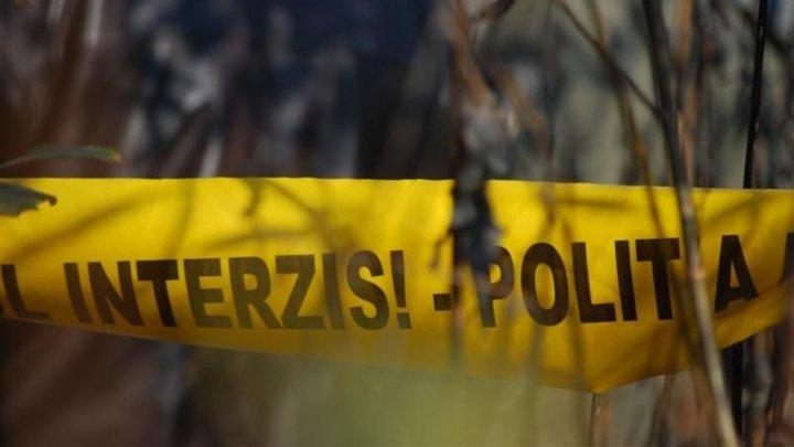Убийство в Хынчештах: труп мужчины нашли в багажнике брошенного автомобиля