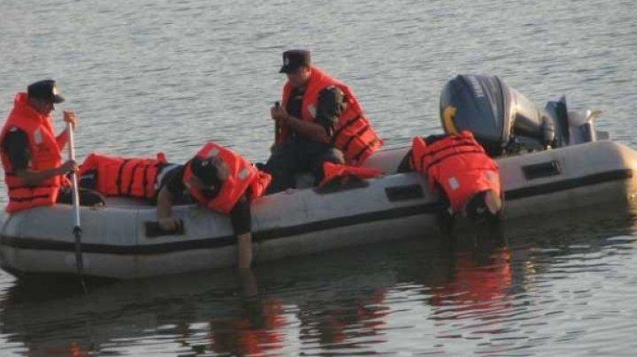 На Дунае во время состязаний перевернулась лодка с детьми