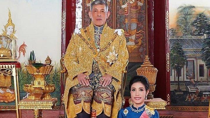 Король Таиланда лишил титула и воинских регалий свою фаворитку
