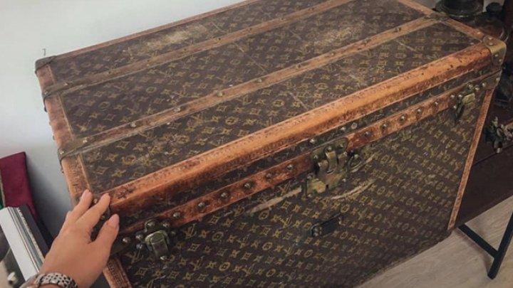 Пенсионеры использовали старинный сундук Louis Vuitton для хранения зерна