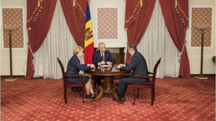 Помощь к праздникам, две индексации пенсий в год: президент, спикер и премьер обсудили инициативы нового кабмина