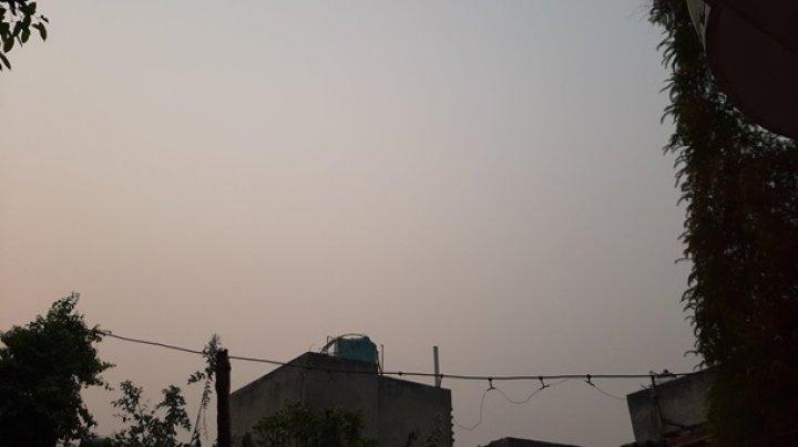 В школах Дели начали раздавать маски из-за смога