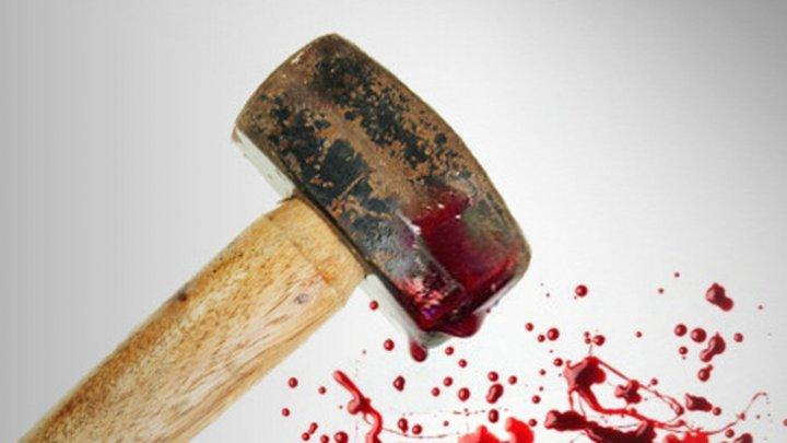 ШОК! В России пенсионер раскроил жене череп молотком и убил себя, чтобы избавить детей от обузы