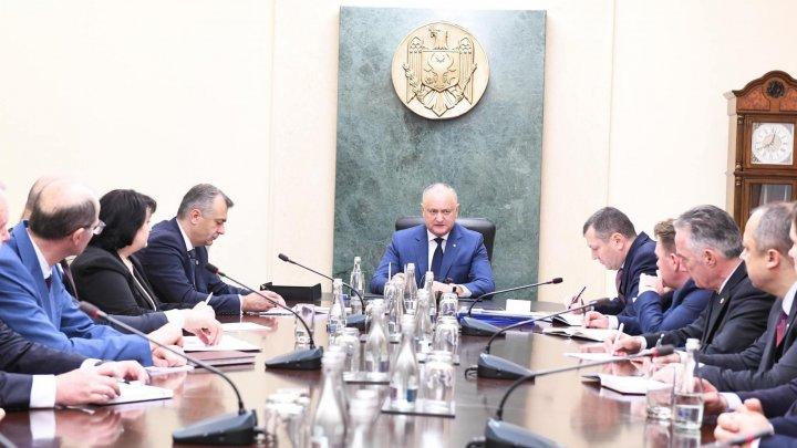 Додон новым министрам: Молдова – это не социальные сети, не Facebook