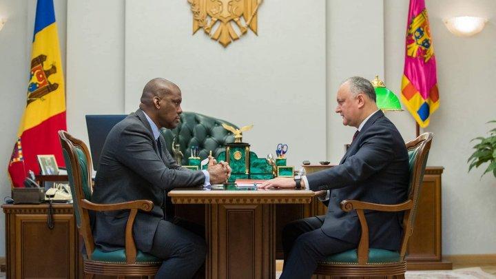 Игорь Додон сообщил Дереку Хогану о политических рисках после спорного решения Майи Санду