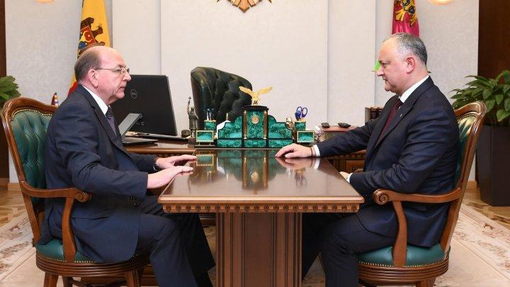Додон обсудил внутриполитическую ситуацию с послом РФ