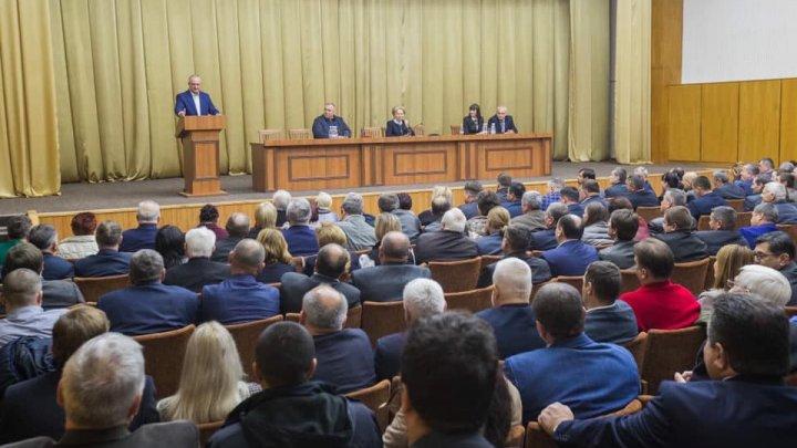 Республиканский конгресс ПСРМ: Додон призвал членов команды не впадать в эйфорию
