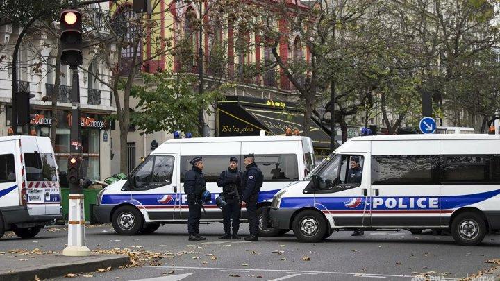 Во Франции задержали грузовик с 30 мигрантами