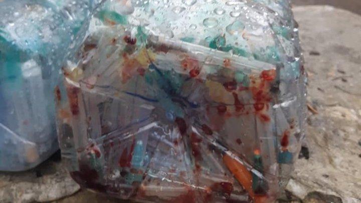 """Опасные медицинские отходы выбросили во двор инфекционной больницы """"Тома Чорба"""": реакция работников"""
