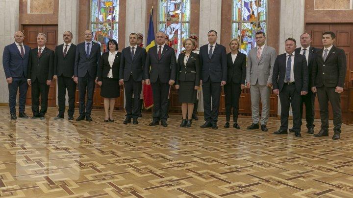 Игорь Додон на церемонии присяги кабмина: У вас нет за спиной политического большинства