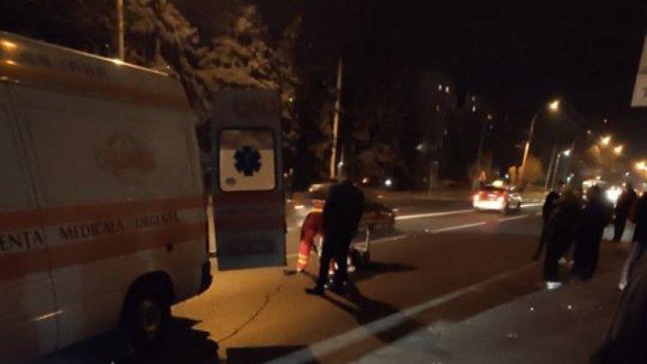 Пешеход попал под машину в столице: пострадавший в тяжёлом состоянии