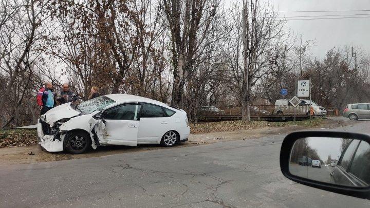 Авария в Варнице: автомобиль, попавший в ДТП, сильно поврежден (ФОТО)