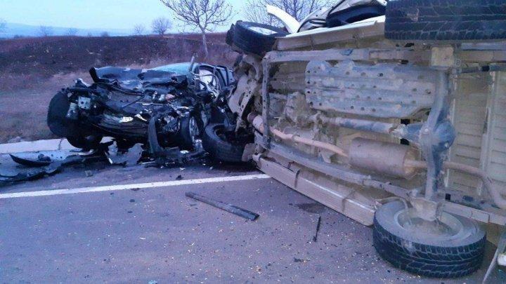 Страшная авария во Флорештском районе: обе машины ремонту не подлежат