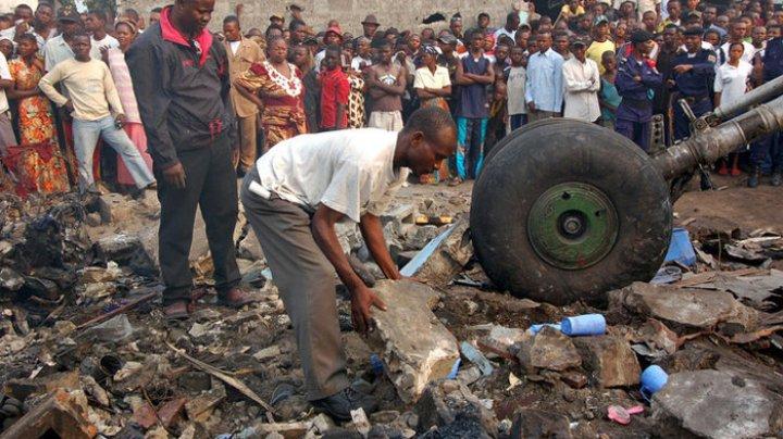 В Конго пассажирский самолет рухнул на жилые дома: на месте  трагедии найдены тела (ВИДЕО)