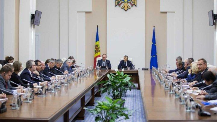 Премьер Ион Кику встретился с послами, аккредитованными в Молдове