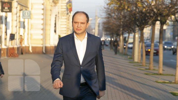 Первый рабочий день Иона Чебана на посту мэра Кишинёва (FOTOREPORT)