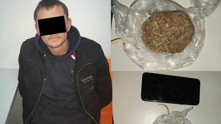 На Буюканах задержали мужчину в состоянии наркотического опьянения (ВИДЕО)