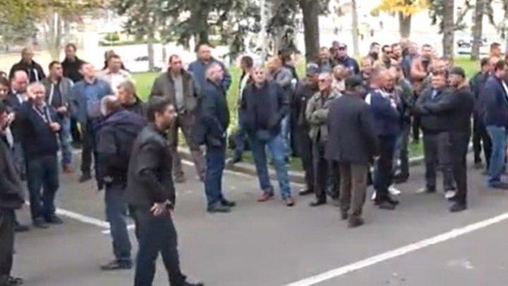 Перевозчики стоят на своём: несколько протестующих пригласили на встречу с министром экономики