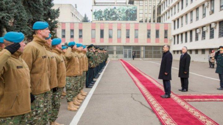"""""""Ждем вас дома с докладом"""": напутствие Гайчука группе военнослужащих, отправляющихся в Косово"""