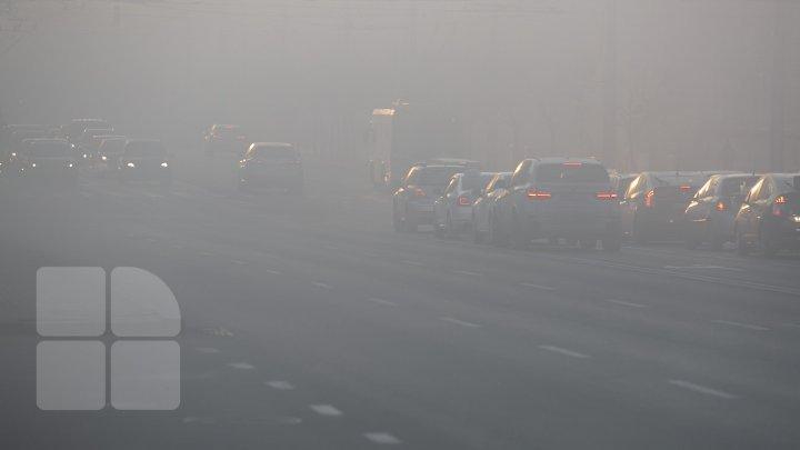 Плохая видимость на дорогах: Молдову окутал густой туман