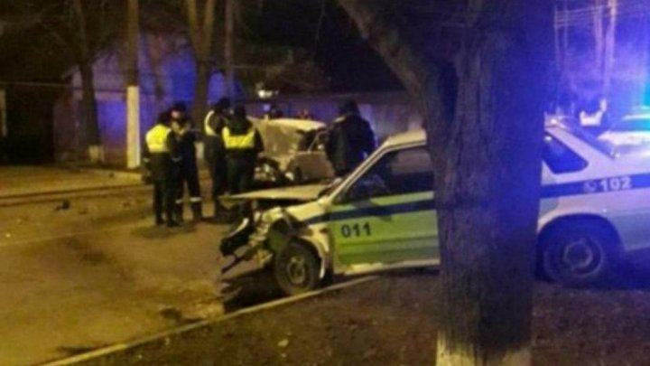 Пьяный водитель взял на таран машину приднестровских дорожных инспекторов (ФОТО)