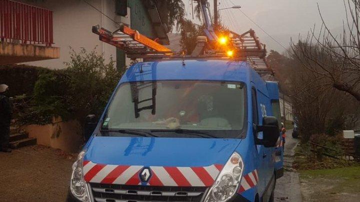 Шторм во Франции вызвал наводнения и оползни: жертвами непогоды стали два человека