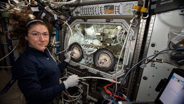 Американка Кристина Кох установила рекорд по продолжительности космических полетов среди женщин