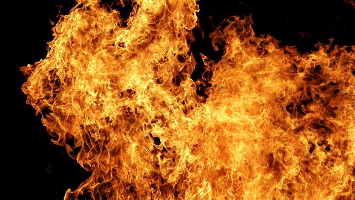 Житель села Джолтай получил ожоги лица и рук, пытаясь растопить печь