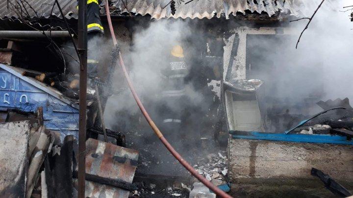 В Сорокском районе сгорели заживо пожилые супруги