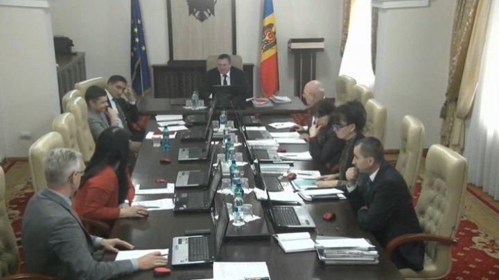 Высший совет магистратуры снял неприкосновенность с судьи Олега Стерниоалэ