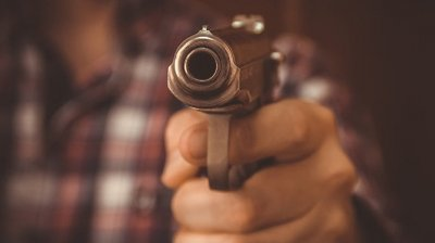 В Чимишлийском районе мужчина решил расквитаться с обидчиками, применив оружие