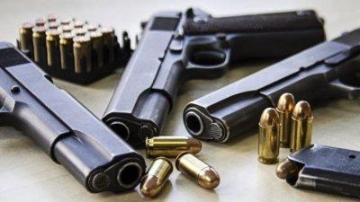 Шесть человек задержаны в Кишинёве по подозрению в незаконном обороте оружия
