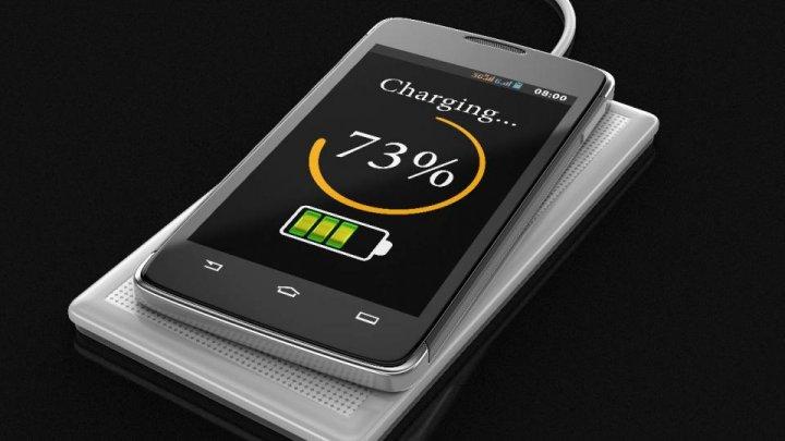 Эксперты заявили об опасности зарядки гаджетов в общественных местах